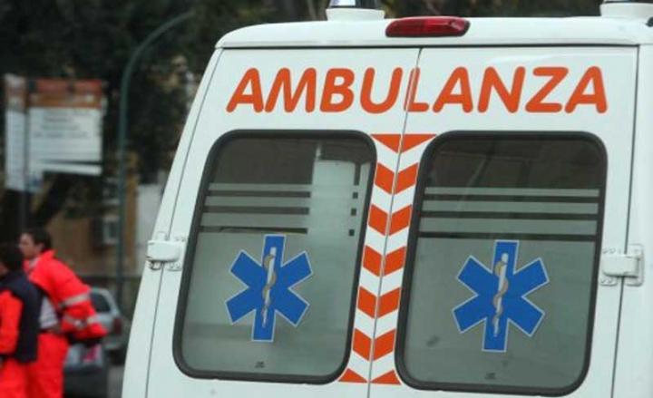 Robbiate (Lecco). 18enne esce di strada e finisce contro guardrail, deceduto