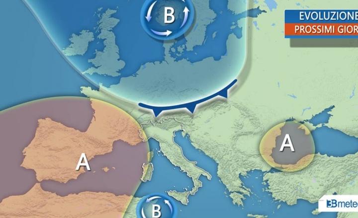Allerta Meteo, violenti temporali al Sud: forte maltempo su Sicilia e Calabria